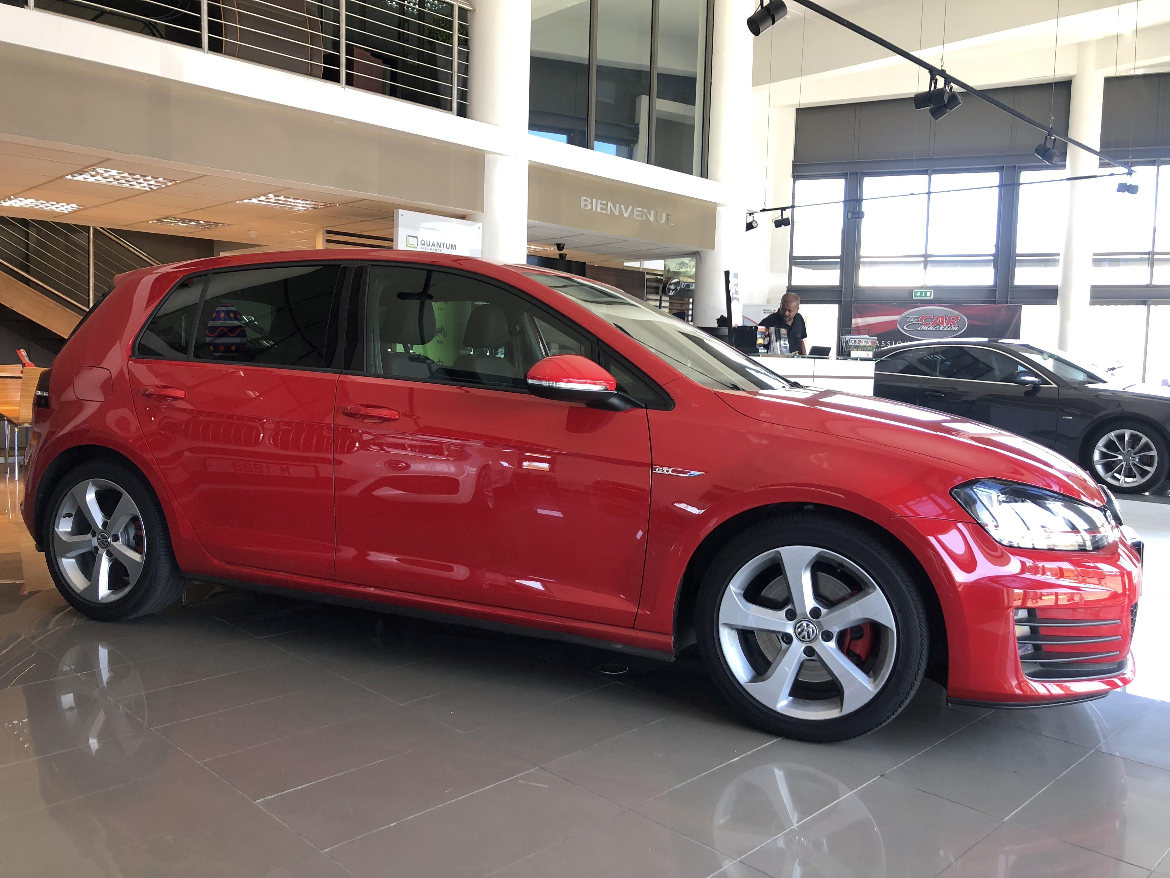 Volkswagen Golf GTI 5