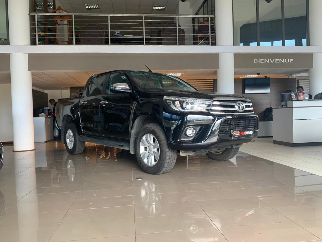 Toyota Hilux Double Cab Pick-Up 4x4