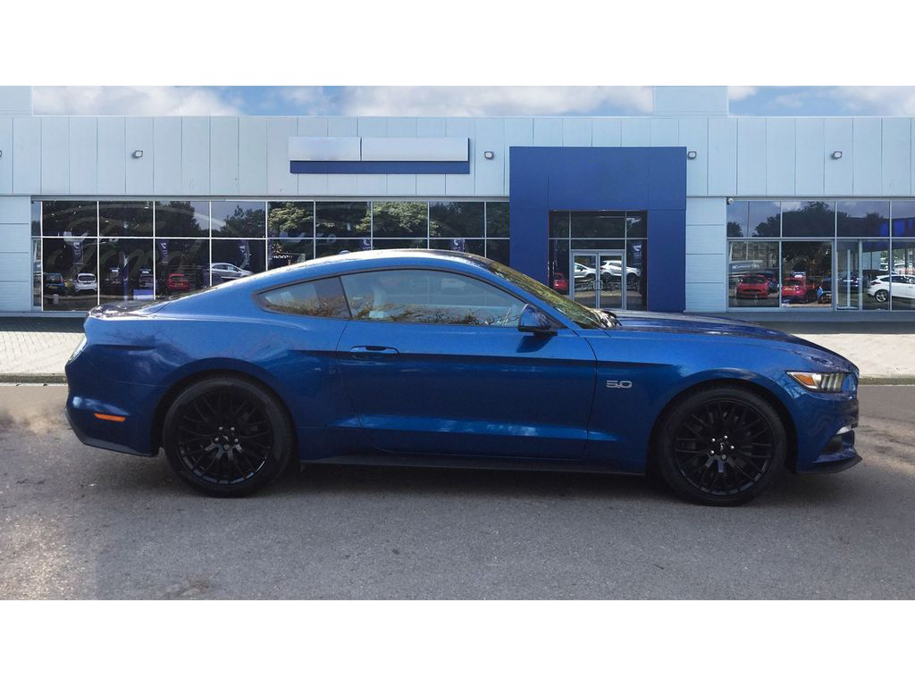 FORD MUSTANG GT - COUPE 3