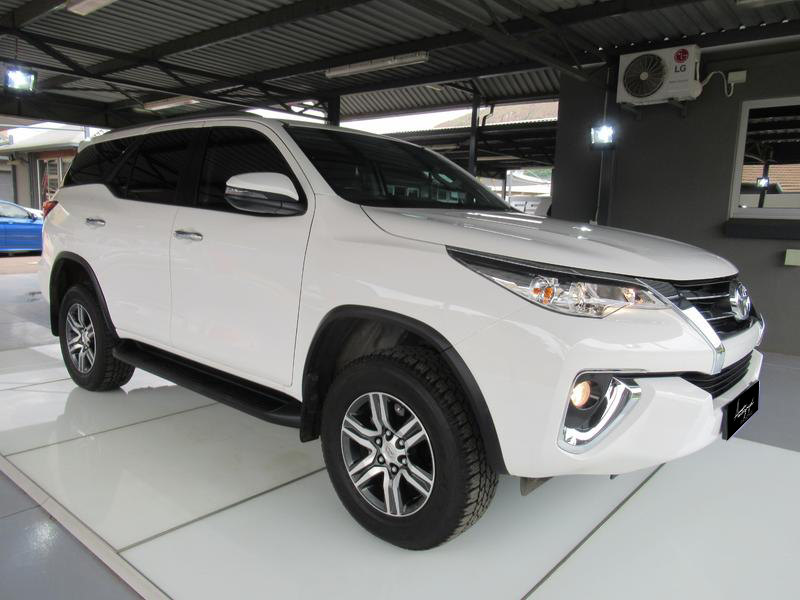 Toyota Fortuner 2.4 GD
