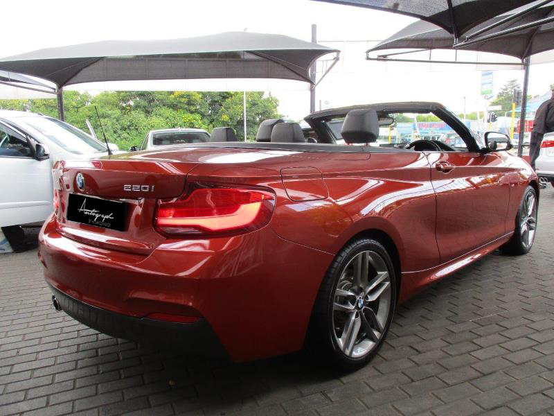 BMW 2-Series 220i Msport Cabriolet 10