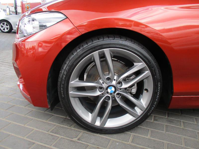 BMW 2-Series 220i Msport Cabriolet 11