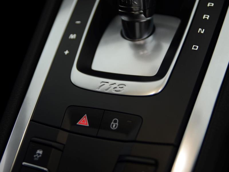 Porsche 718 Cayman 14
