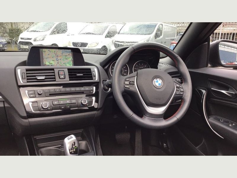 BMW 2-Series 218i Sport Convertible 9