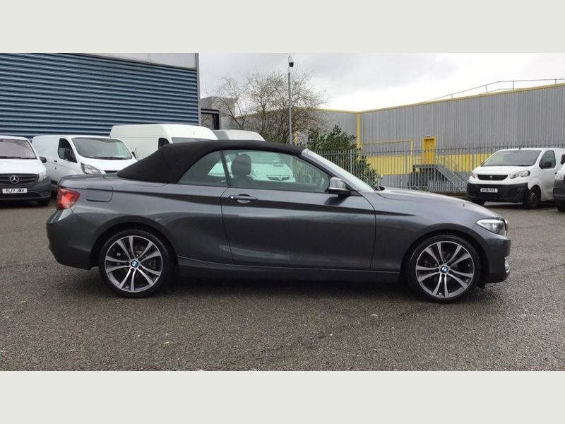 BMW 2-Series 218i Sport Convertible 16