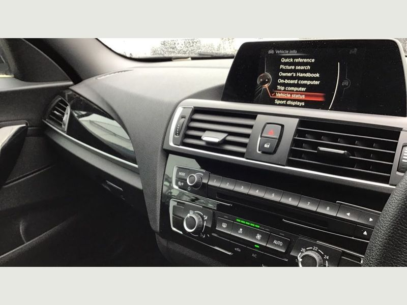 BMW 2-Series 218i Sport Convertible 20