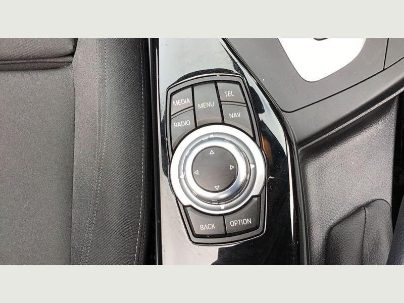 BMW 2-Series 218i Sport Convertible 27