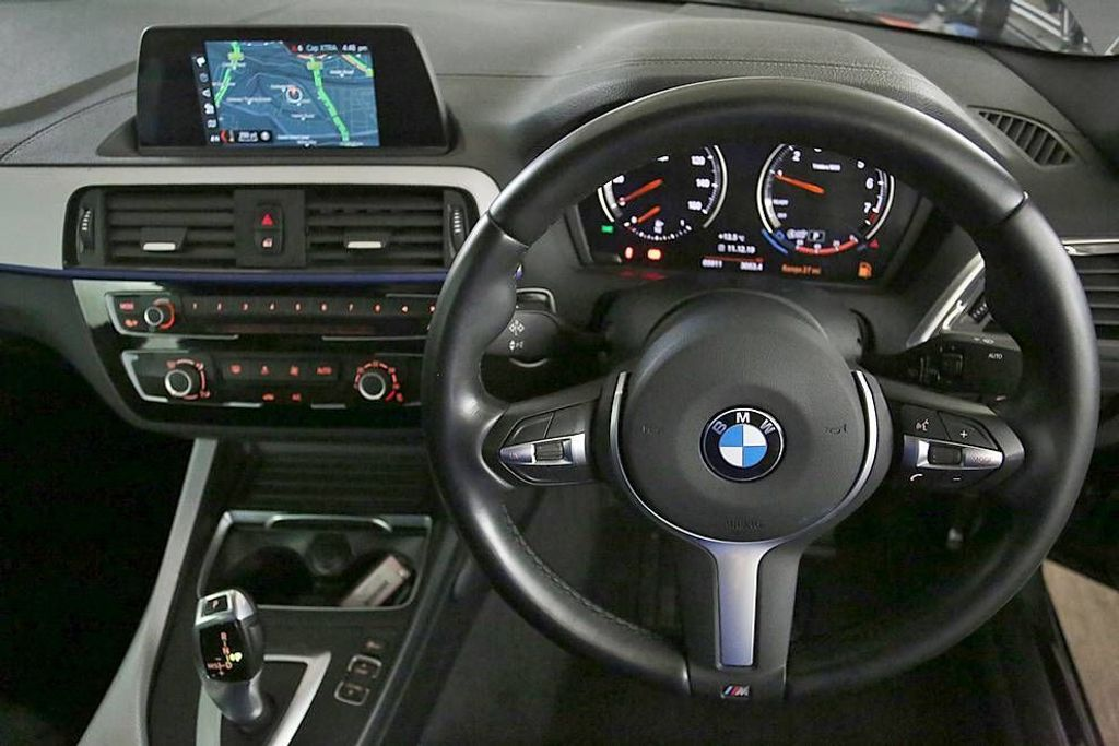 BMW 2-SERIES 218I SPORT COUPE 8