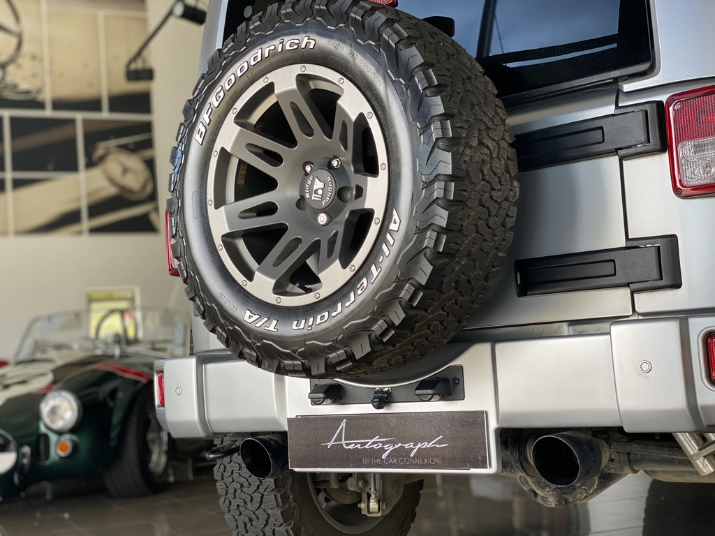 Jeep Wrangler by Autograph 23